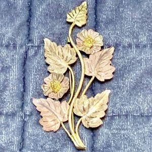 Solid gold tri color brooch 12k gold.